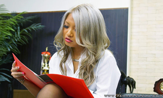 无码DG767:长谷川夏树当他和女老板后 她会给他加薪